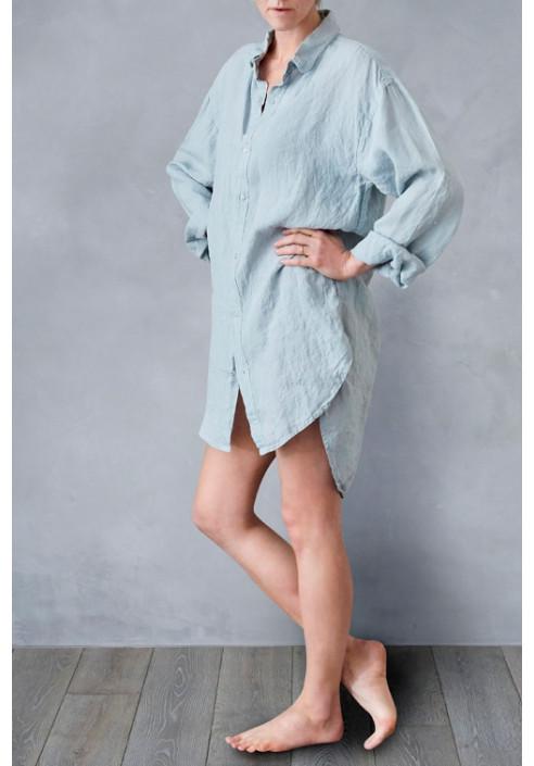 Blå hørskjorte til kvinder designet til slow living - dansk design, tekstiler og slow living fra VIIL Design