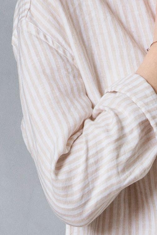 72867d81607 Lang hør skjorte med striber - DUI fra VIIL Lang skjorte i vasket hør ...